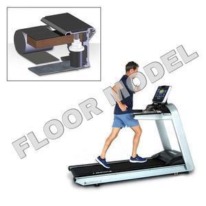 Landice L8 Treadmill with Ortho Belt - Executive Panel Floor Model