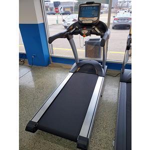 True Excel 900 Treadmill with Envision 16 Floor Model, Aurora